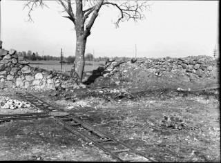 120, norra sidoskeppet, källaren, före utgrävning