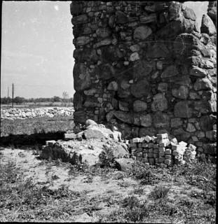 70, tornet västra fasaden norra strävpelaren