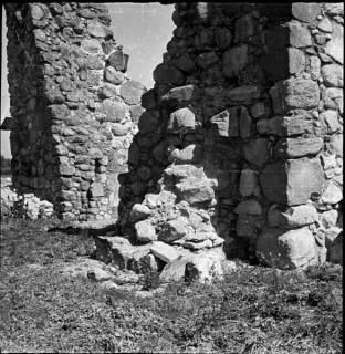 71a, tornet södra fasaden, strävpelaren